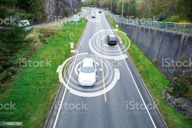 Comunicación De Vehículo A Vehículo Foto de stock y más banco de imágenes de Aire libre