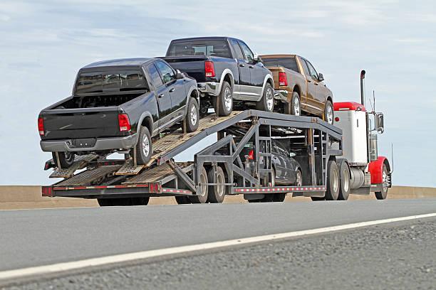fahrzeug-transporter - autotransporter stock-fotos und bilder