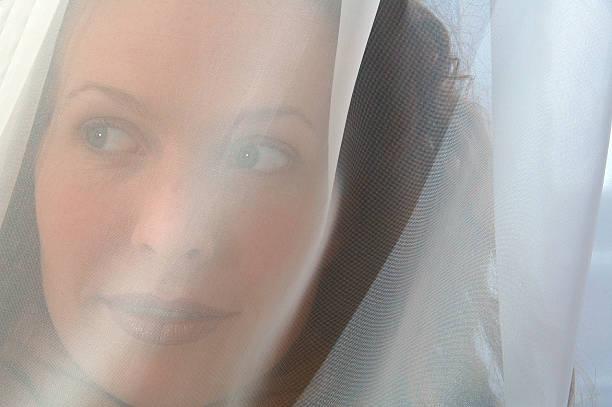 veiled schönheit - hochzeitsreise amsterdam stock-fotos und bilder