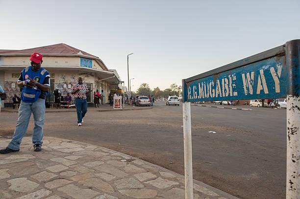 Anbieter verkaufen Handy Sendezeit im Kwekwe, Simbabwe – Foto