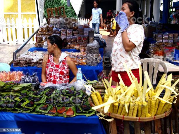 Vendors sell suman and other local delicacies made from glutenous picture id1077866964?b=1&k=6&m=1077866964&s=612x612&h=n0oful2avesbziae19iyefhdghlgg15xicwjybv88og=