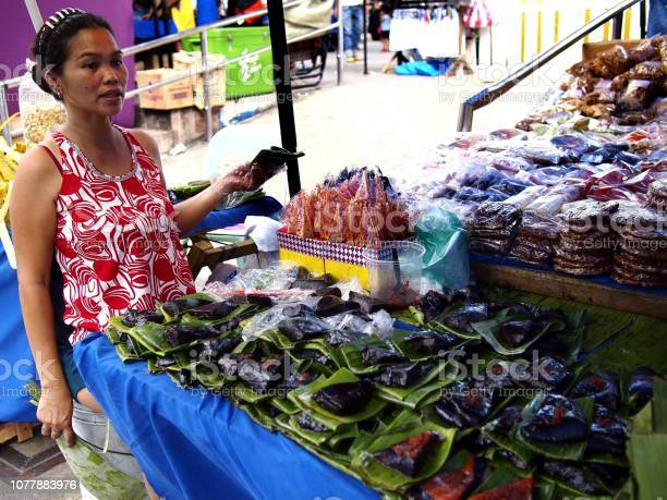 Vendors sell suman and other local delicacies made from glutenous picture id1077883976?b=1&k=6&m=1077883976&s=612x612&h=jnb4c01qwnrplfbk3vflcs4h2b0ifymz57m2 i 1ejy=