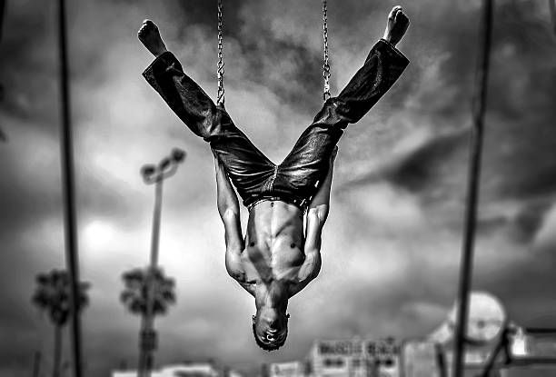 venice beach gymnast - nzgmw2017 stock pictures, royalty-free photos & images