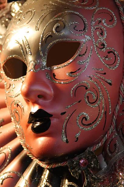 venedig-maske - rosa camo party stock-fotos und bilder