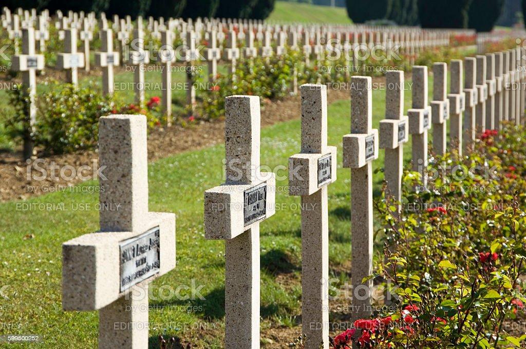 WWI Verdun military cemetery graves  – zdjęcie