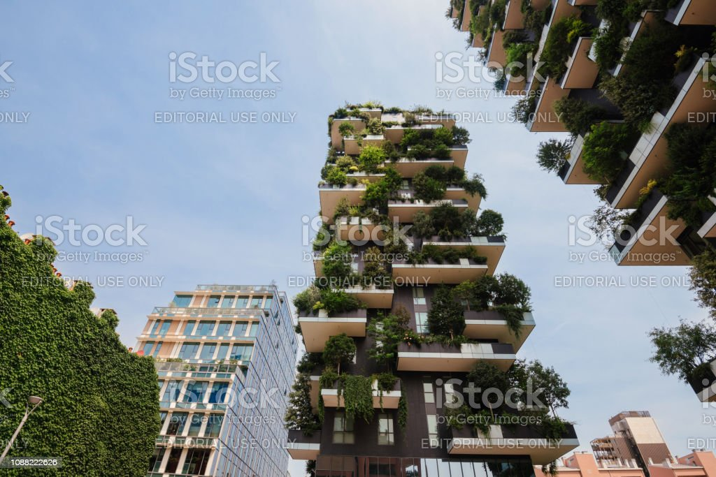 Veritcal Garden Buildings in Milan - foto stock