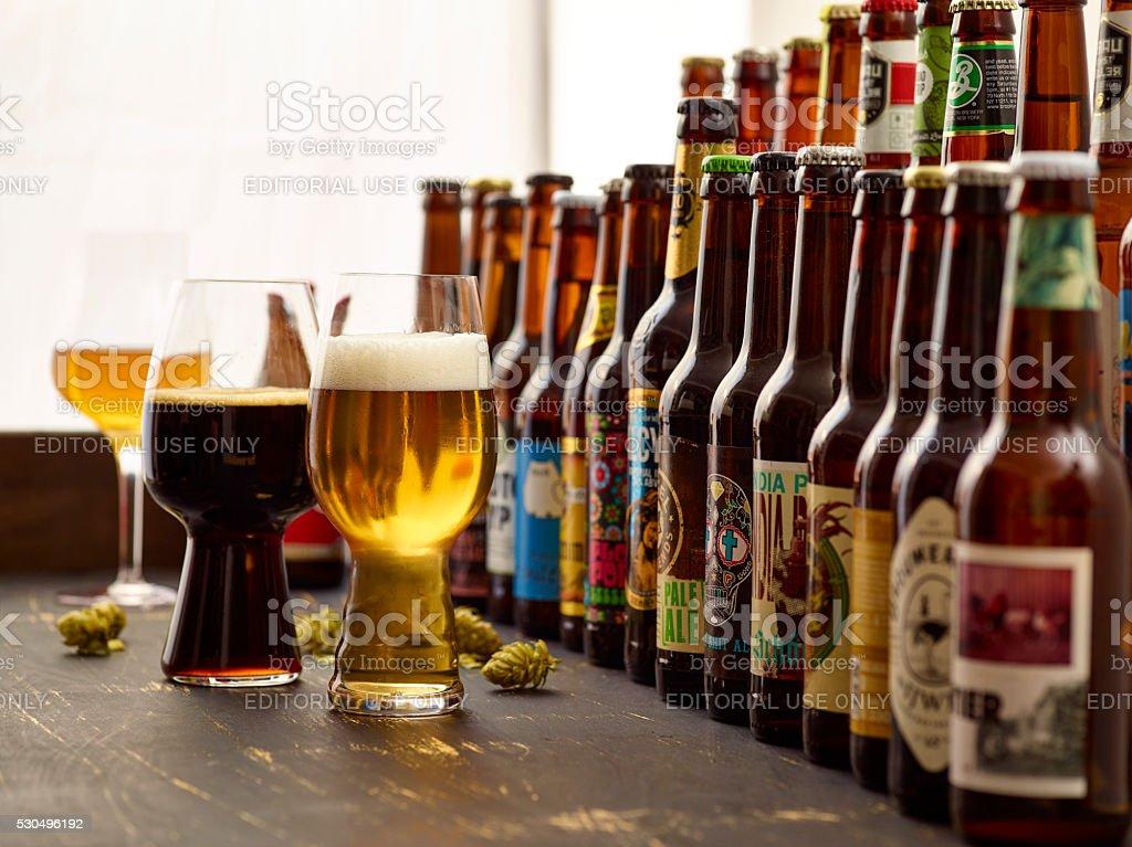 Verkostung von europäischen und internationalen Craft Bier Sorten. stock photo