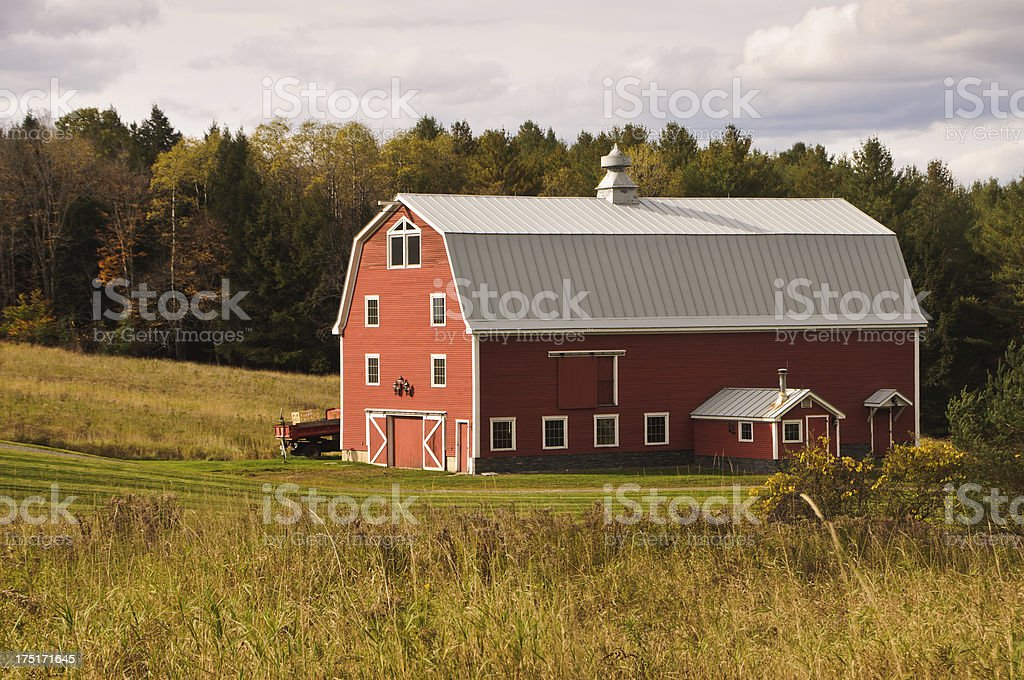 Vermont Red Barn Stock Photo - Download Image Now - iStock