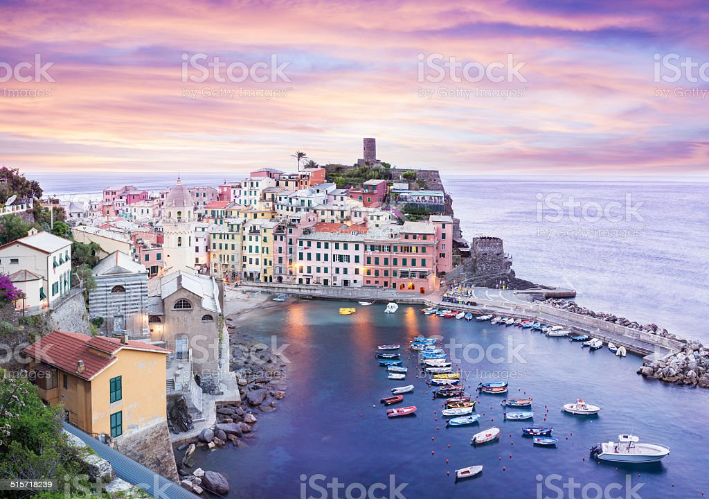 Vernazza all'alba - foto stock