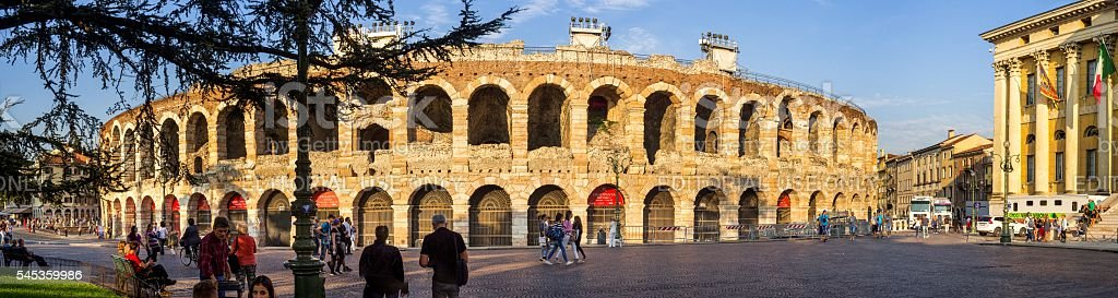 Während dem Sonnenuntergang Arena di Verona – Foto