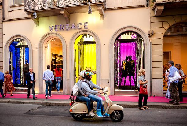 Versace Store – Mailand, Italien – Foto