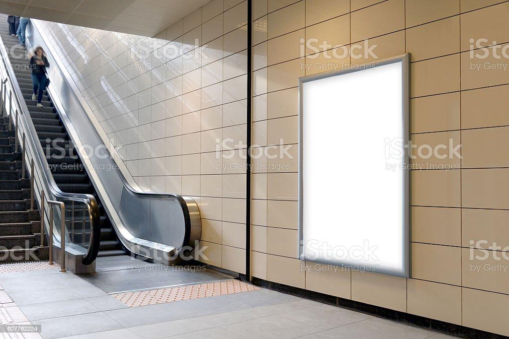 Vertical light box poster mockup in metro station. - foto de stock