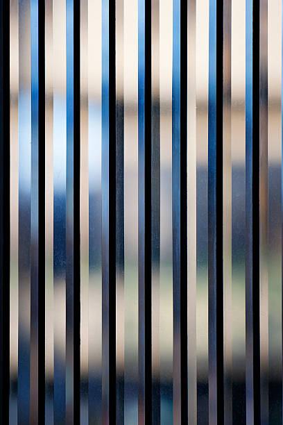 Vertikale Streifen aus geschliffenem Glas – Foto