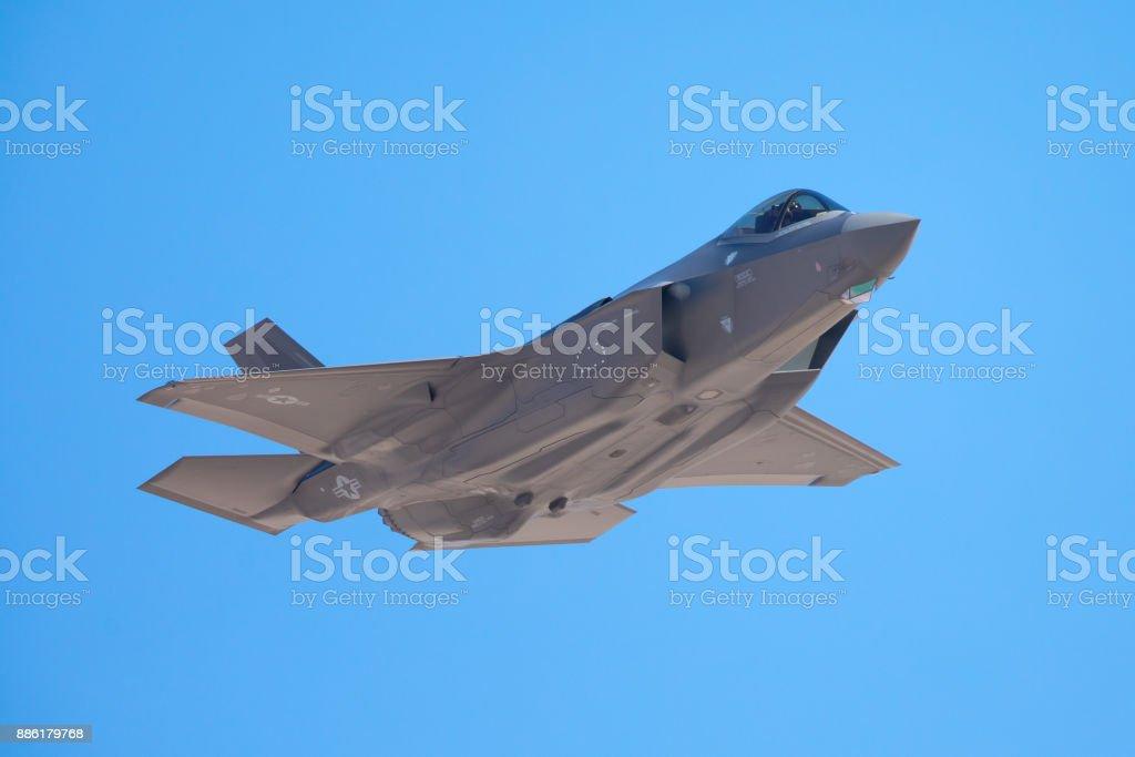 Visión muy cercana de un F-35 Lightning II - foto de stock