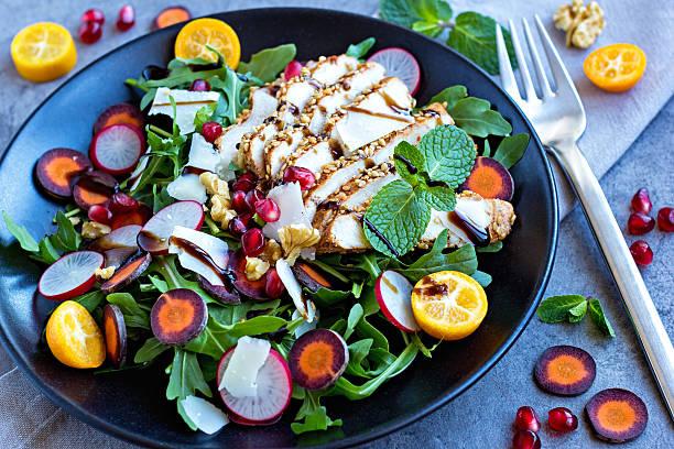 very coloful and healthy salad deliciously served - radieschen salat stock-fotos und bilder