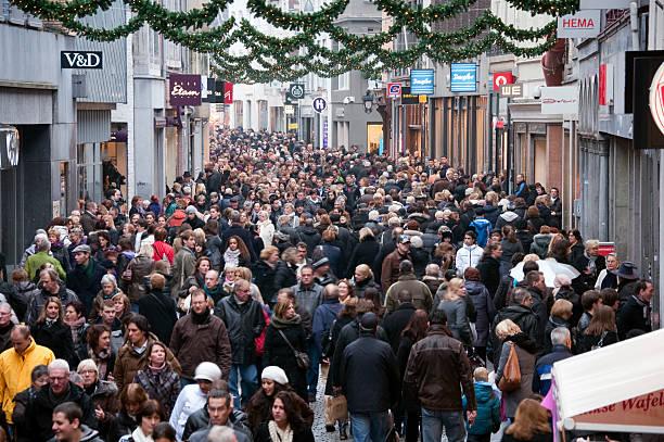 very crowded street in the center of maastricht. - maastricht stockfoto's en -beelden