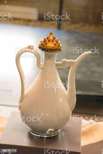 Very Old Style Seramic Ewer Water Jar - Fotografias de stock e mais imagens de Alimentação Saudável