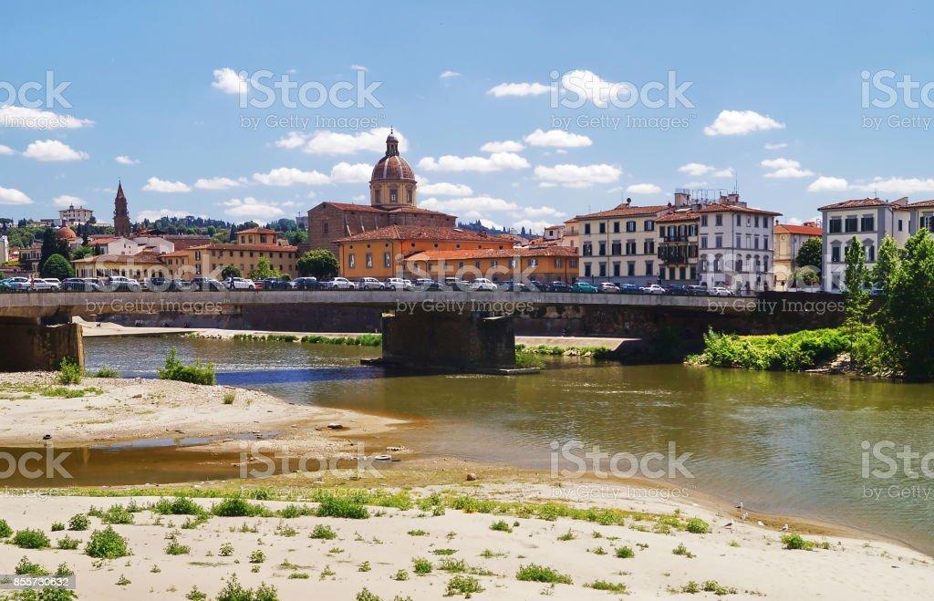 Vespucci bridge and San Frediano church, Florence - foto stock