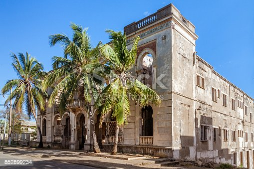 istock Vestige of colonial architecture 852899234