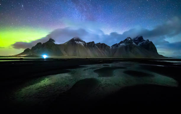 Vestrahorn mit Aurora Borealis, Island – Foto