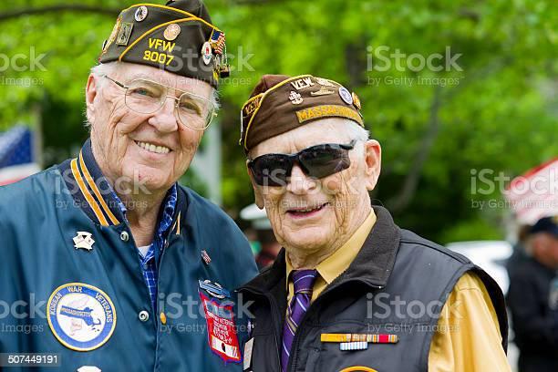 Veterans of world war ii picture id507449191?b=1&k=6&m=507449191&s=612x612&h=suec45sf3vl7ot36s6xjrs3hx7qsgk2khcqb5wgfuc8=