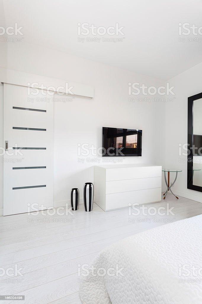 Lebhafte Cottagefernseher Im Schlafzimmer Stockfoto und mehr ...