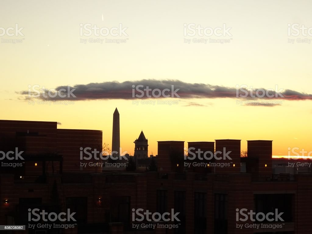 vibrant sunset in Washington D.C. with the Washington Monument i stock photo