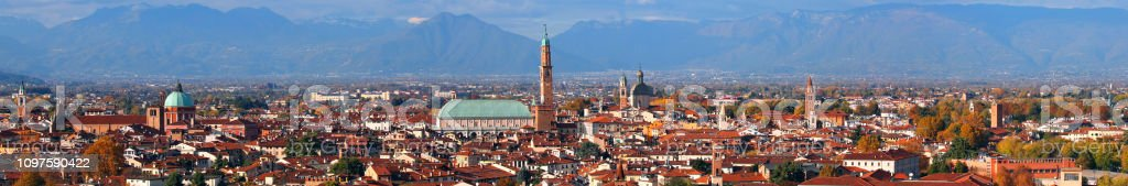 Vicenza City in Italy and the most famous monument called Palladian Basilica - foto stock
