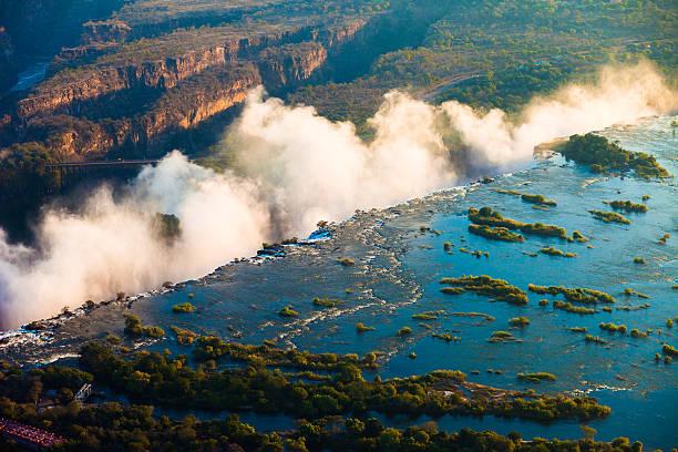 victoria falls luftaufnahme - sambia stock-fotos und bilder