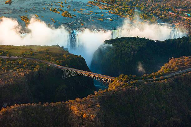 victoria falls von der luft - sambia stock-fotos und bilder