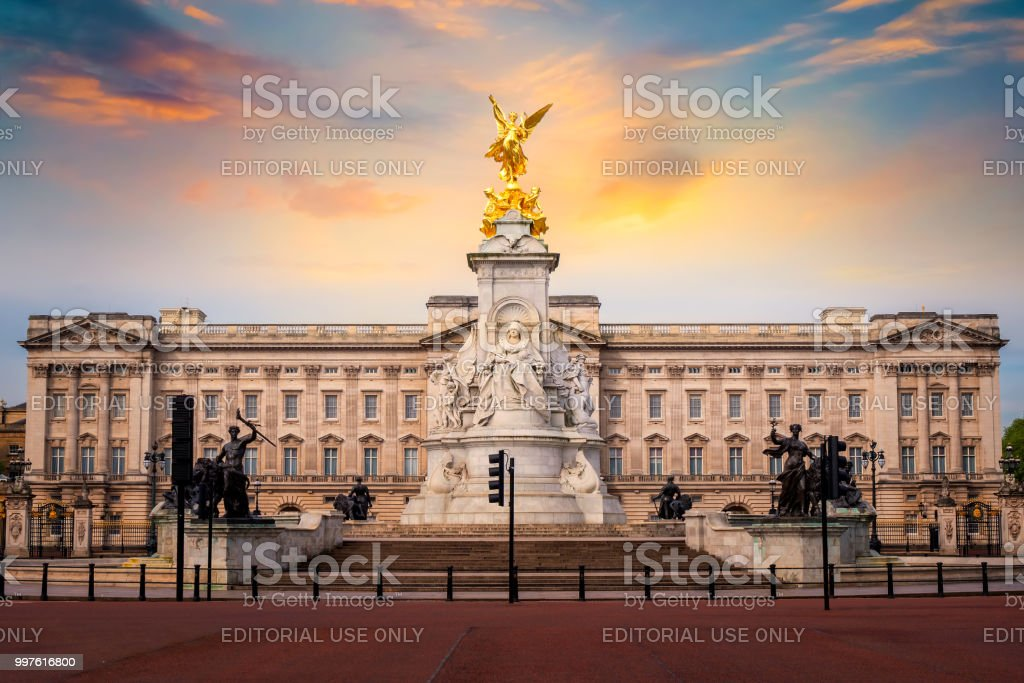 Victoria Memorial At The Mall Road In Front Of Buckingham Palace London Royalty Free