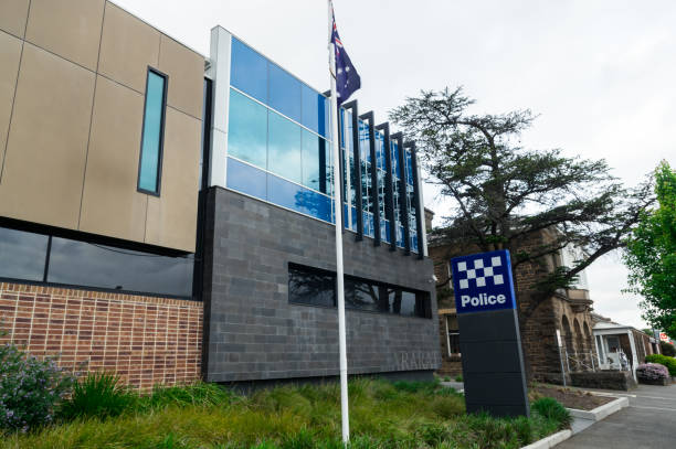 victoria police station in the rural town of ararat in victoria. - first responders стоковые фото и изображения