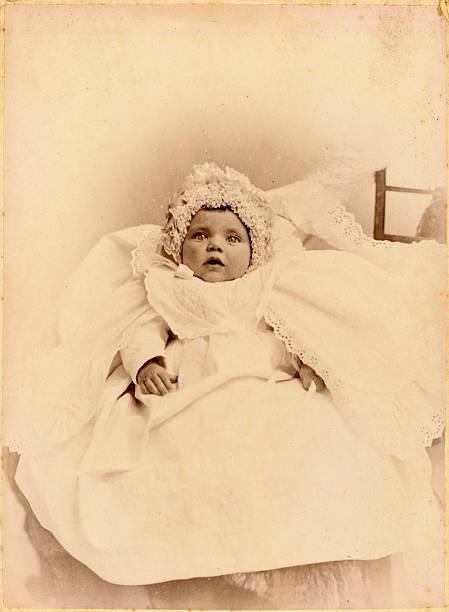 victorian baby vintage-foto - taufe fotos stock-fotos und bilder