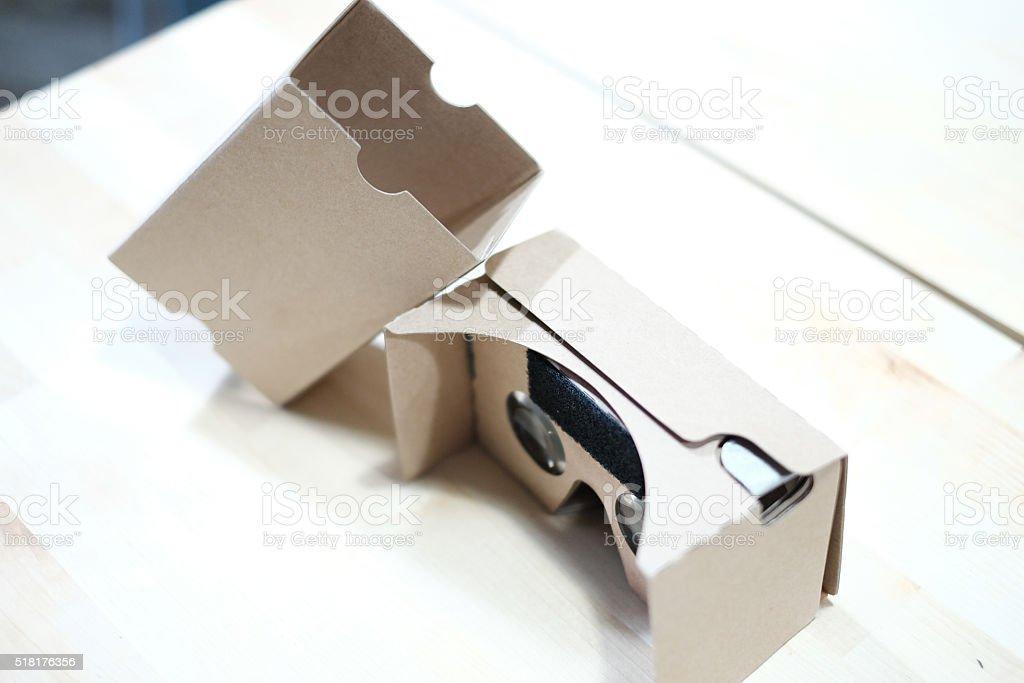 Videos 360 Pappe Viewer und Smartphone – Foto