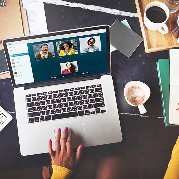 영상전화 facetime 채팅 연락체계 컨셉입니다 - virtual meeting 뉴스 사진 이미지