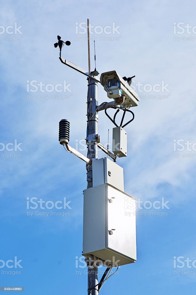 Video camera for monitoring traffic conditions - foto stock