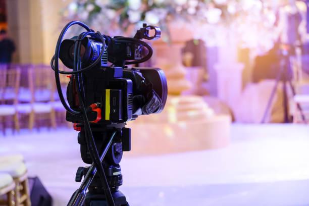 videokamera, die aufzeichnung im fernsehen übertragen events - dokumentation stock-fotos und bilder