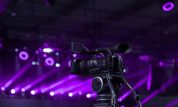 video-kamera aufnahme - film oder fernsehvorführung stock-fotos und bilder