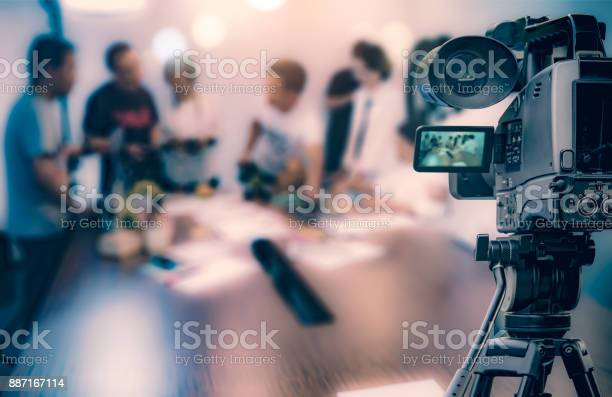 Video camera taking live video streaming at people working background picture id887167114?b=1&k=6&m=887167114&s=612x612&h=4p6rjotc3bzyivzsuqzwa6zmnytu1mgl8wum4xxmtfq=