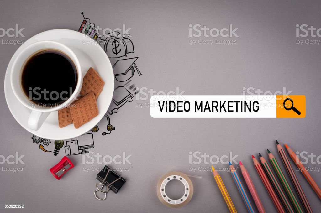 video marketing concept. Gray office desk with the inscription - foto stock