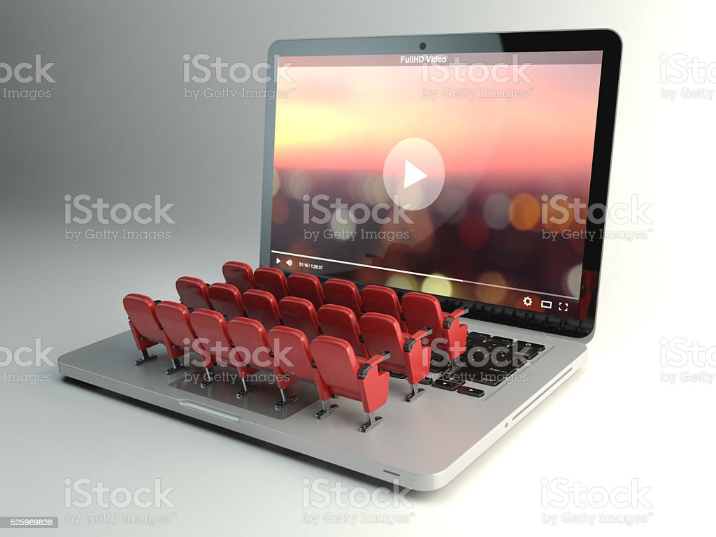 Video-app oder Heimkino-Konzept. Laptop und Sitzplätze - Lizenzfrei Aufführung Stock-Foto