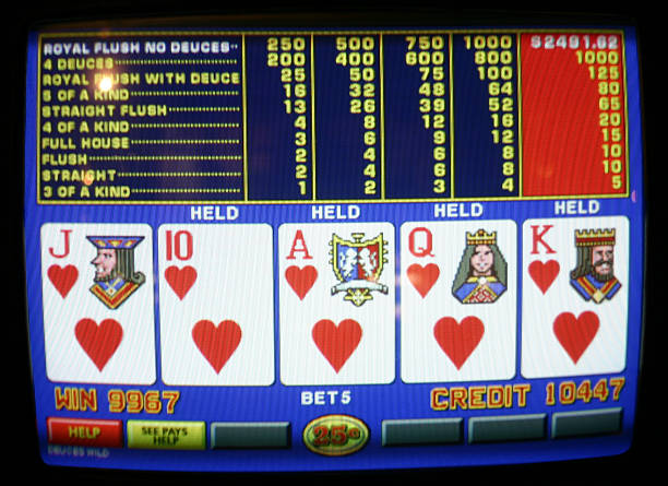 video poker - royal flush - video still stock pictures, royalty-free photos & images