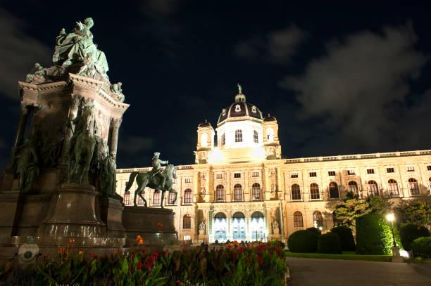kunsthistorisches museum wien - kunsthistorisches museum wien stock-fotos und bilder