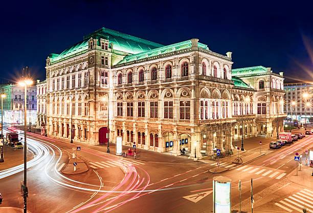 Vienna Opera bei Nacht, Österreich – Foto