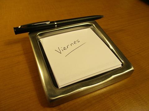 Viernes written in notepad