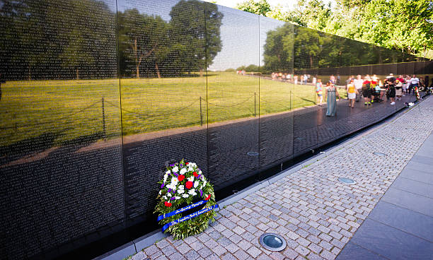 "minimalism maya lin and vietnam memorial The vietnam veterans memorial lin, maya ""making the memorial ""memorial of vietnam veterans"" online image."
