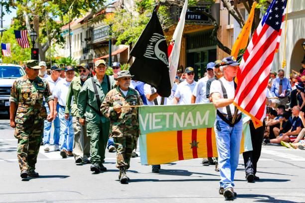 vietnam war vets take part in the july 4th parade in santa barbara, california, usa - fourth of july стоковые фото и изображения