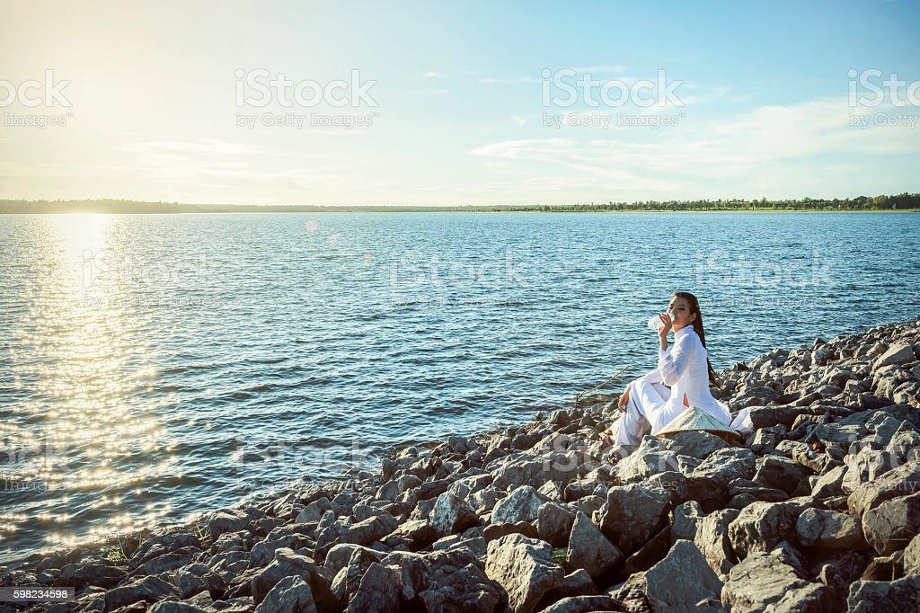 Vietnamese woman thirsty foto royalty-free