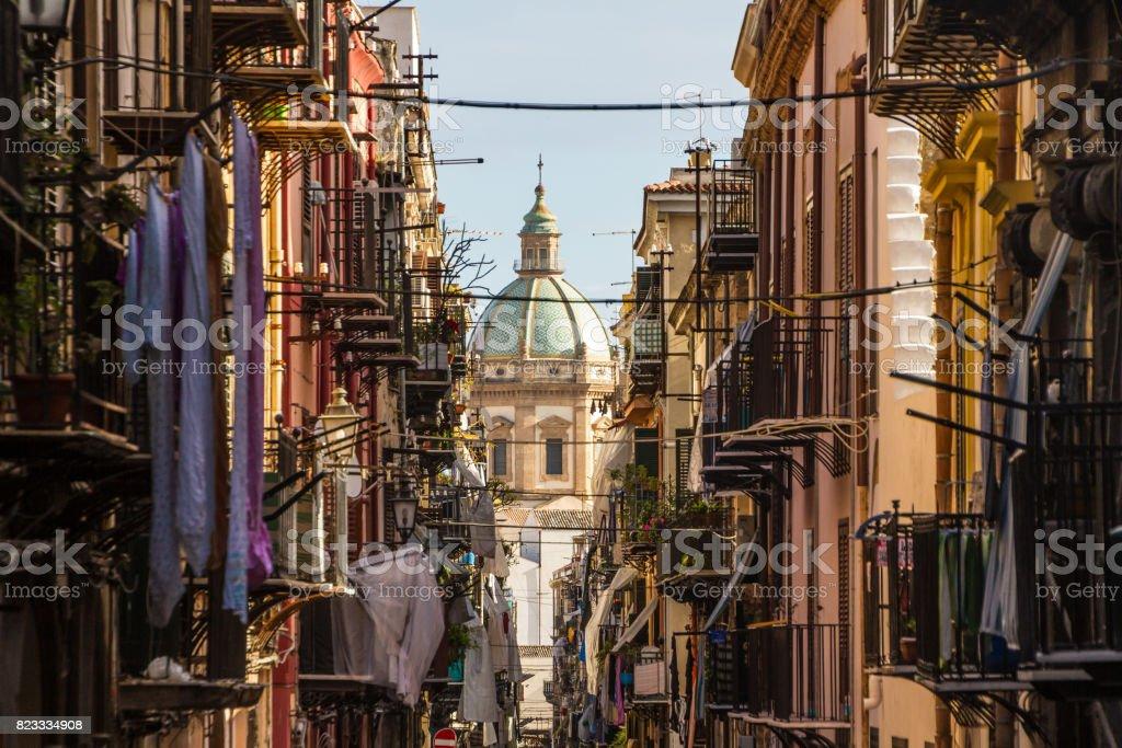 Blick auf die Kirche von San Matteo befindet sich im Herzen von Palermo, Italien. – Foto