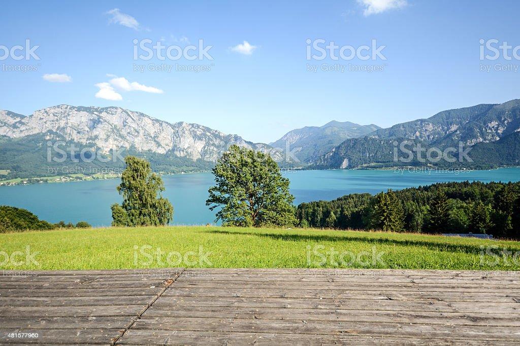 Blick vom alpine pasture zu Attersees, Bundesland Salzburg, Österreich – Foto